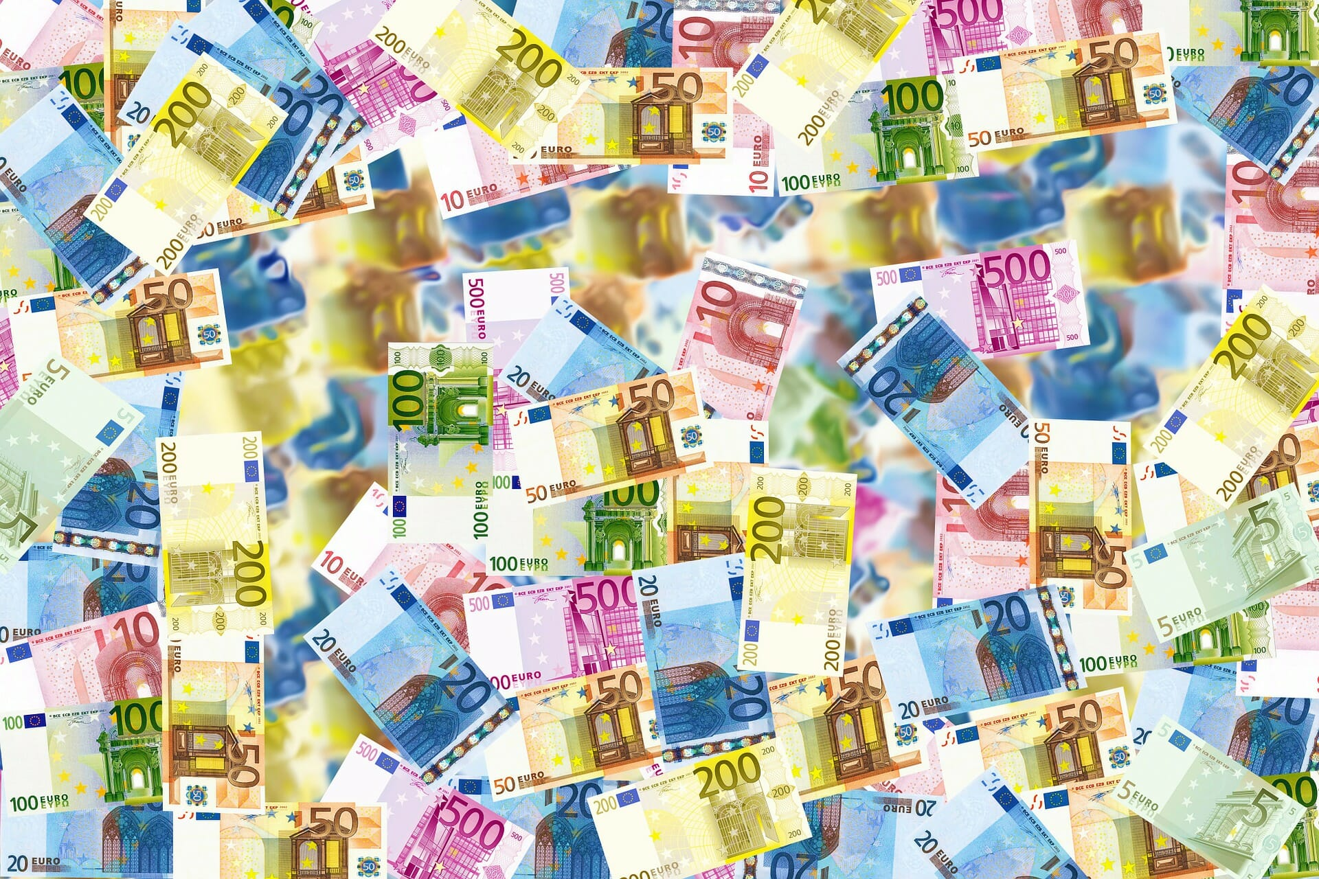 How to exchange money abroad