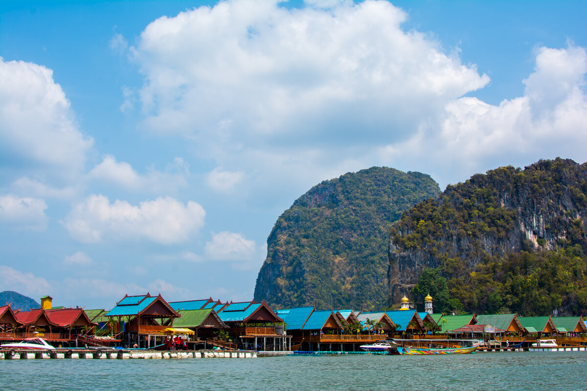 The floating village near James Bond Island