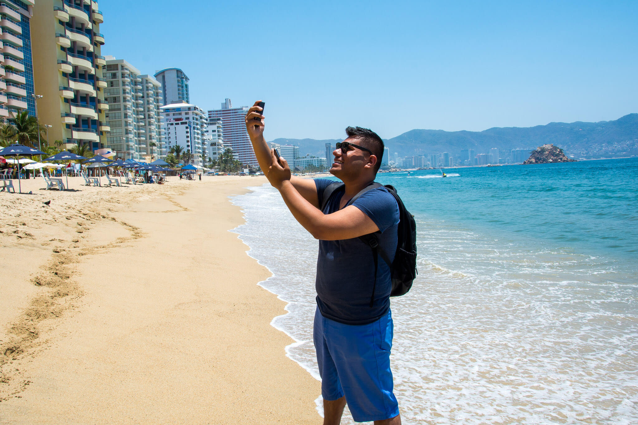 Me uploading a travel selfie using the TEP Wireless device