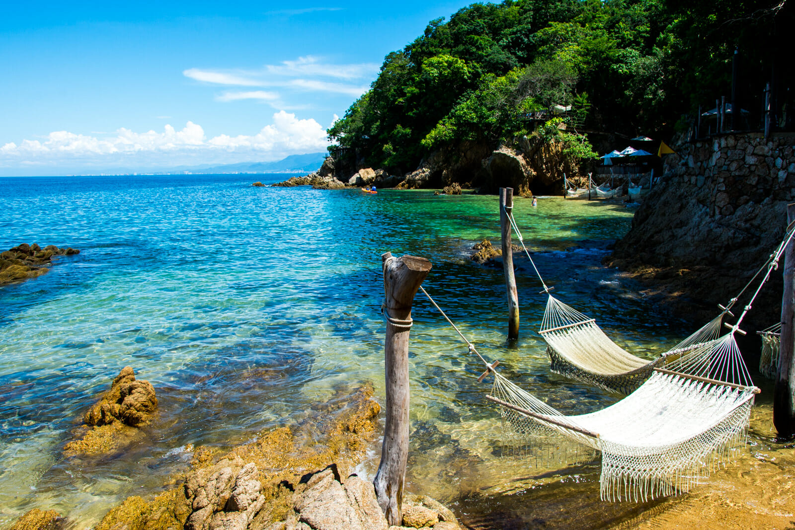 Hammock with a cocktail? Yes please!