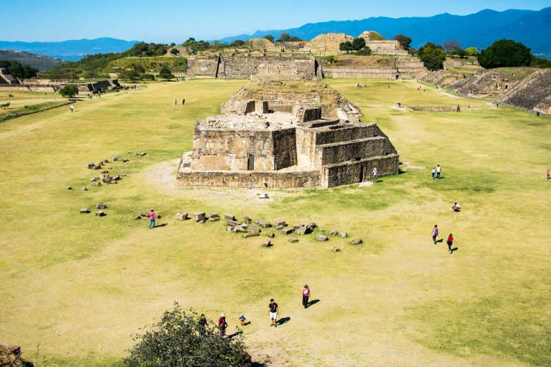 How to reach Monte Alban from Oaxaca City