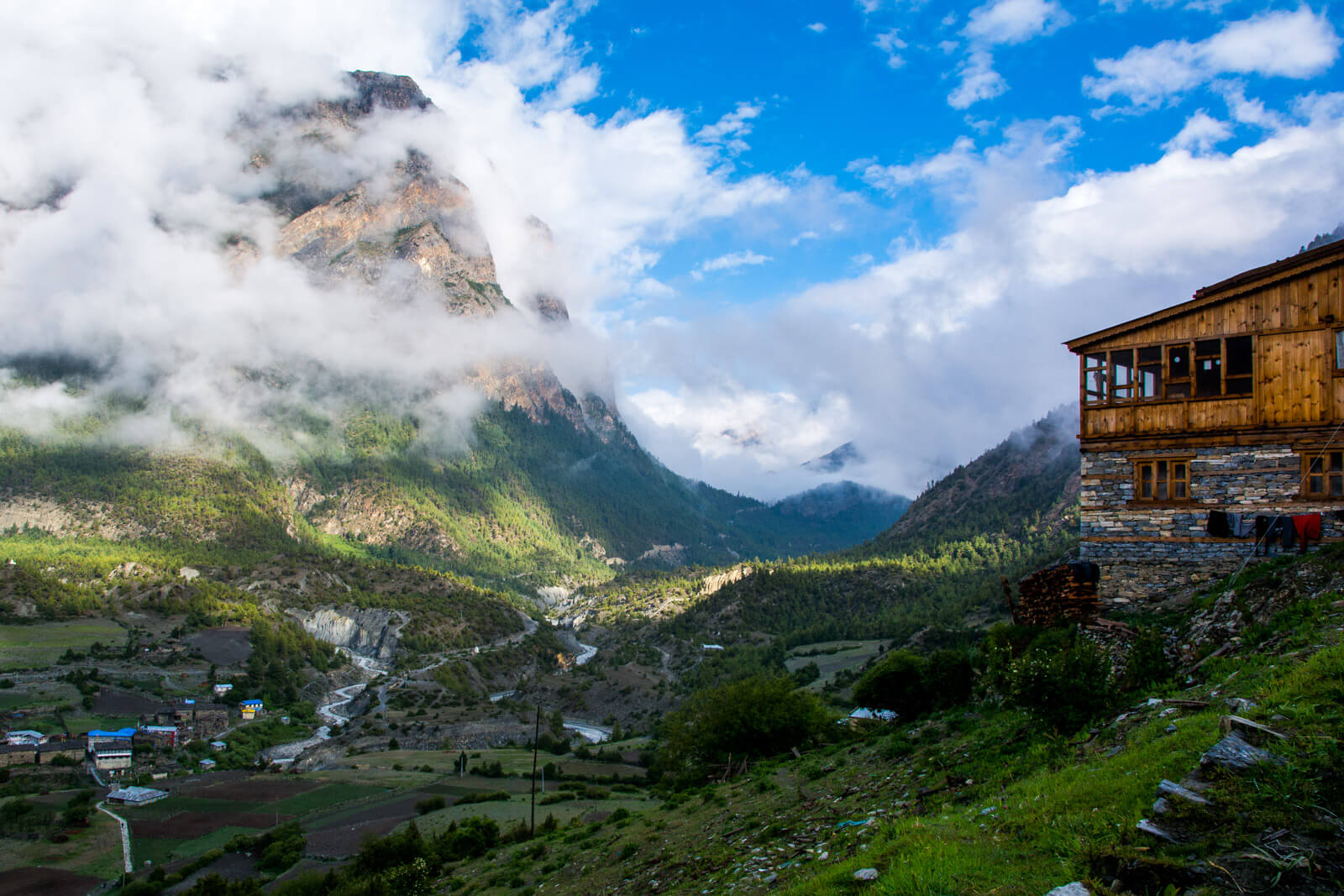 The town of Upper Pisang, would you like to sleep in one of these tea houses during the Annapurna Circuit Trek?