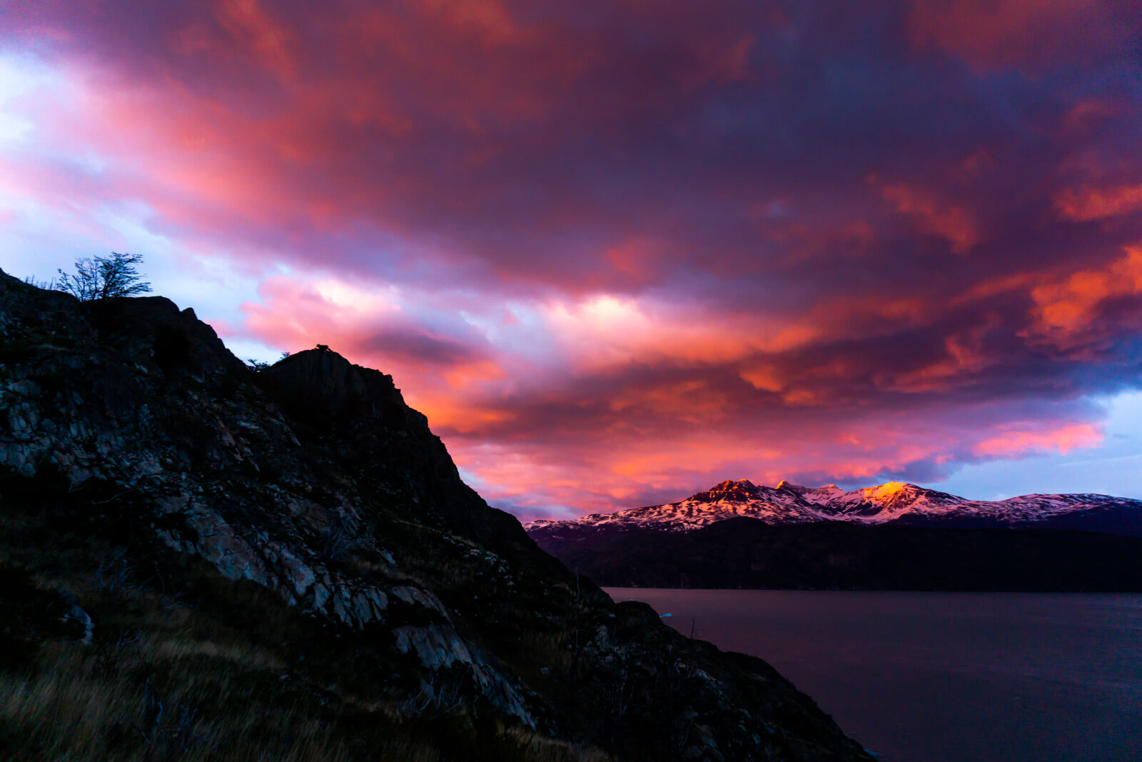 Torres del Paine W Trek Day 05 an amazing sunrise to start a wonderful day