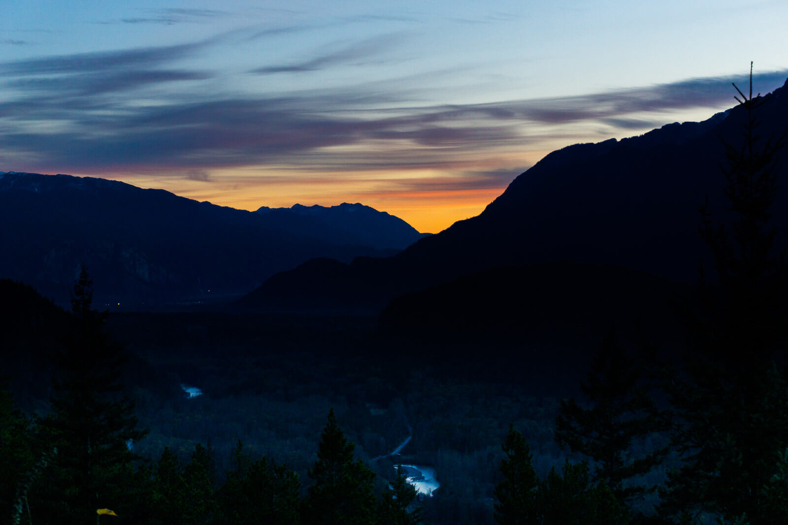 Sunset at the Paradise Valley Lookout, best photo stops on the sea to sky highway during winter